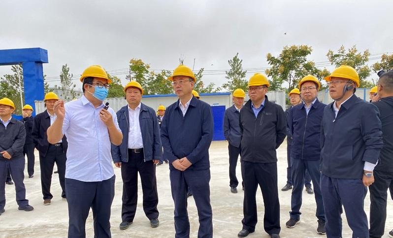 市委书记张祥安、市长张君毅视察迈德普斯新厂区
